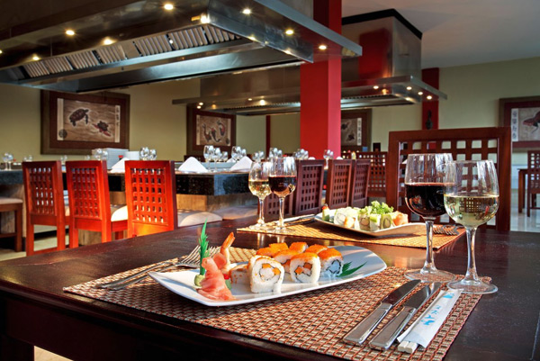 Restaurants & Bars - Grand Palladium Palace Resort Spa & Casino - All Inclusive - Punta Cana